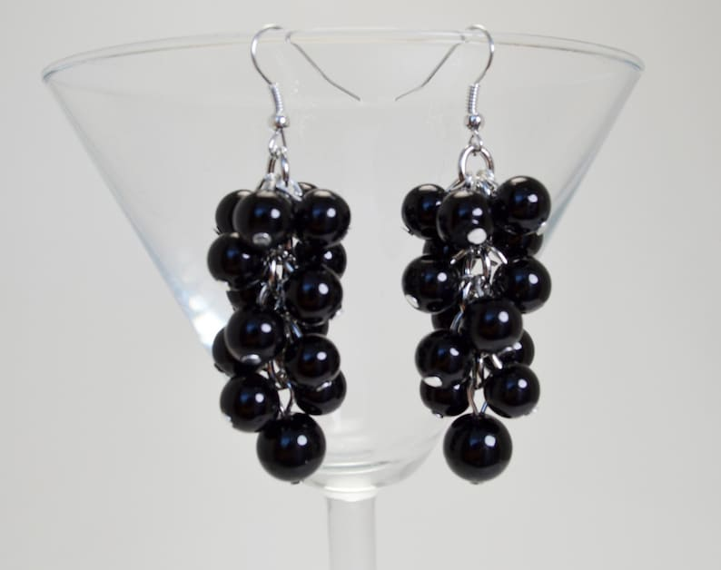 Pearl Jewelry Chunky Earrings Black Bridesmaid Earrings Pearl Earrings Wedding Earrings Pearl Cluster Earrings Black Pearls Earrings