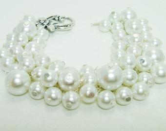 White Pearl Bracelet, Chunky White Bracelet, Bridal Jewelry, Wedding Pearl Bracelet, Pearl Cluster Bracelet, Pearl Bridesmaids Bracelet.