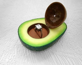Unique Half Avocado-box for  single ring ( or coople rings), Angagement box, Proposal avocado box. #avocadoproposal, Wedding box for rings