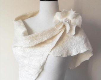 Wedding Shawl Bridal Shawl Bridal Wrap Ivory Bridal Stole Shrug Scarf Wool and Silk with brooch
