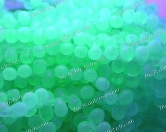 UV Beads, Black Light Beads, 6 x 4mm Czech Glass Teardrop Beads, Matte Uranium Glass, Czech Glass Fringe Beads, Party Beads  CZ-701
