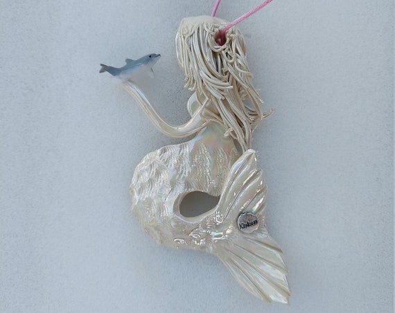 Inspiration Mother of Pearl mermaid ornament