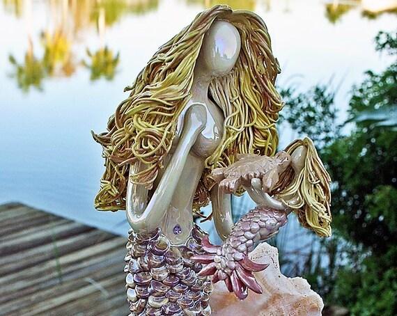 Mermaid wishes, turtle kisses