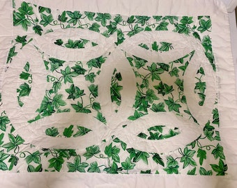 Vintage Pillow Sham - STANDARD SIze, Arch Quilts - Trellis Wedding Ring - Standard Size - Flanged Edge - Ivy - Green and White