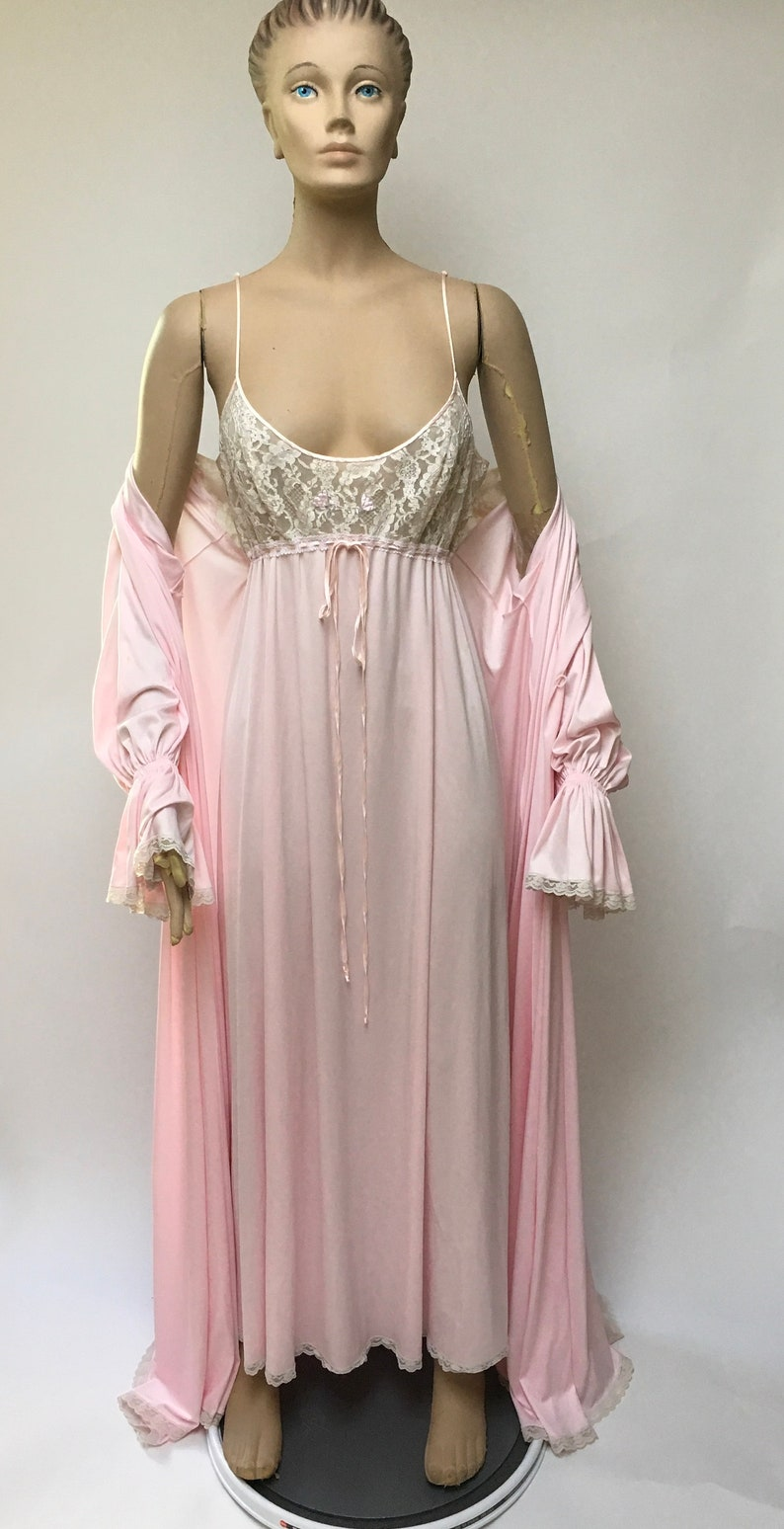 Lucie Ann Pink Nightgown Robe Set Claire Sandra Beverly Hills Peignoir  Wedding Pin Up Vintage Lingerie 5fef78bb8