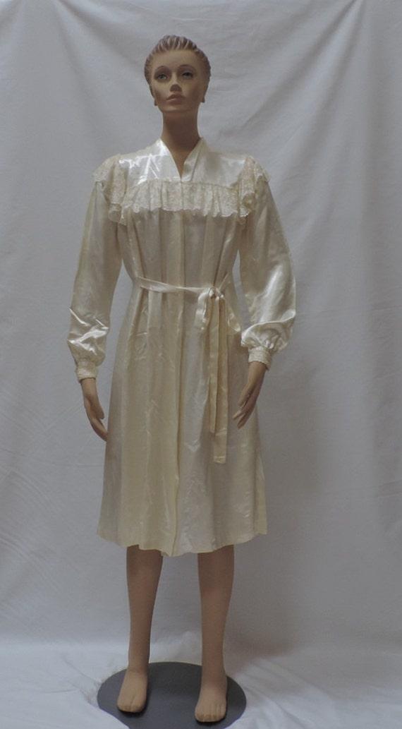 Antique Robe Wedding Peignoir Off White Satin and