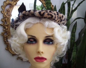 Vintage 1970s Faux Leopard Beret Tam Hat with Bow
