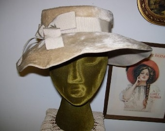 1970s Tan Faux Fur Big Brim Hat Monterey Italy