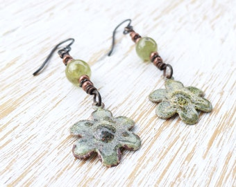 Garnet Earrings, Flower Earrings, Hypoallergenic Niobium Earrings, January Birthstone, Gemstone Dangle Earrings, Healing Crystal Jewelry
