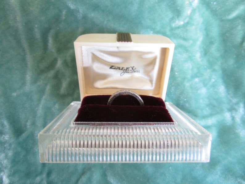 yowza .. clear Lucite gold black velvet .. by Zales madcap midcentury Hollywood Regency deco ring box in ivory