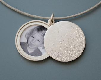 Modern Photo locket, mabotte locket, handmade locket, bubbles, diameter 26mm, silver locket for one picture