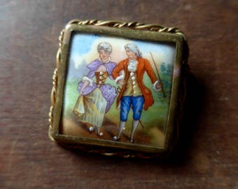 Beautiful French Vintage 1940's Porcelain Brooch with Handpainted Couple and Metal Frame - Valentine's Day