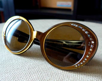 Absolutely Fabulous 1950's 1960's French Vintage Cate Eyes Sunglasses, Shiny Golden Bronze Frame with Rhinestones and Star Nails