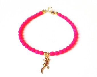 Beaded Lizard Bracelet, Neon Pink Bead Bracelet, Gold Gecko Charm Bracelet, Reptile Jewellery