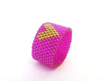 Gold Heart Ring, Fuchsia Pink Ring, Hot Pink Seed Bead Ring, Beadwoven Jewelry, UK Seller