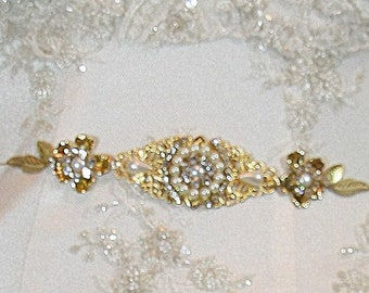 Bridal Sash belt,Golden Leafs Wedding Dress Belt, Romantic Vintage  Hip Belt,Wedding Sash,Pearls And Crystals Sash Rhinestone Bridal Belt