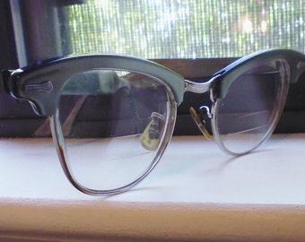 Shuron glasses, Lucite arms, 1950s eyeglasses, women's eyeglasses, tri-focal glasses, cat's eye glasses, 136 mm glasses, glass lenses