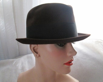 afb7b8c366e 1960 s Male Dark Brown Felt HAT With Black Band by WRIGHT