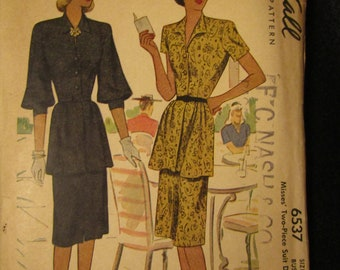 1945 McCall Pattern Junior Miss TWO-PIECE Suit----Size 18