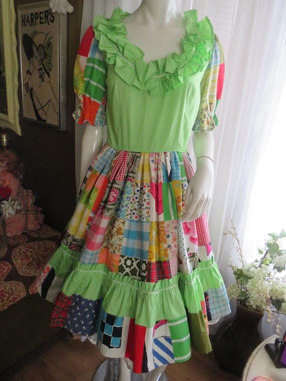 1960s' Colorful PATCHWORK Gathered DRESS----No La… - image 1