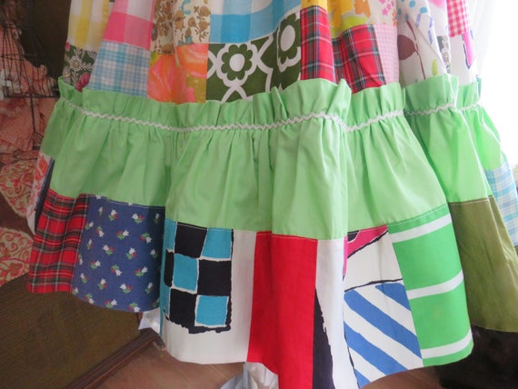 1960s' Colorful PATCHWORK Gathered DRESS----No La… - image 10