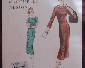 1955 Ladies VOGUE Couturier Design PATTERN Pencil/ Slim Fitted One Piece Dress