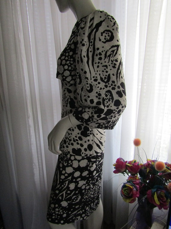 1980's Black And White Abstract Print Silk DRESS … - image 5