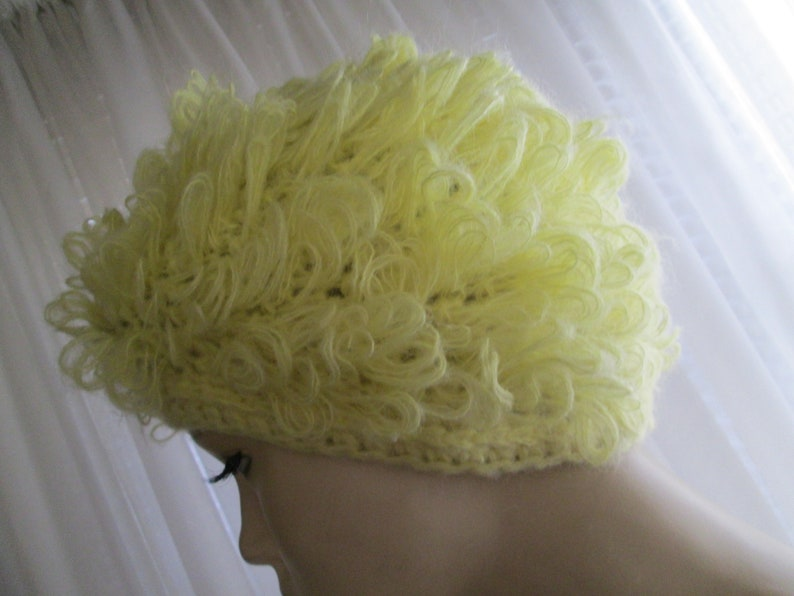 Vintage Ladies YELLOW Hand Crocheted Fluffy Loop HAT--No Label Maker