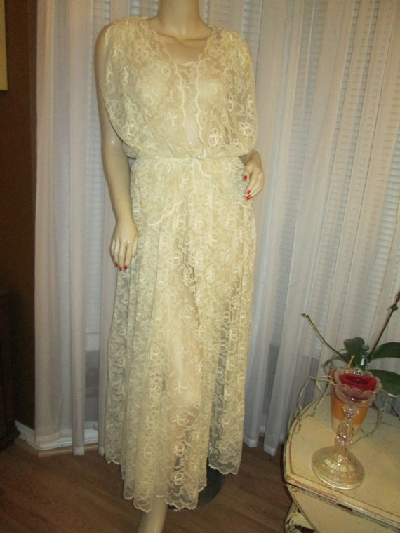 1970's Ladies Ivory LACE Jacket/ DRESS With Ivory