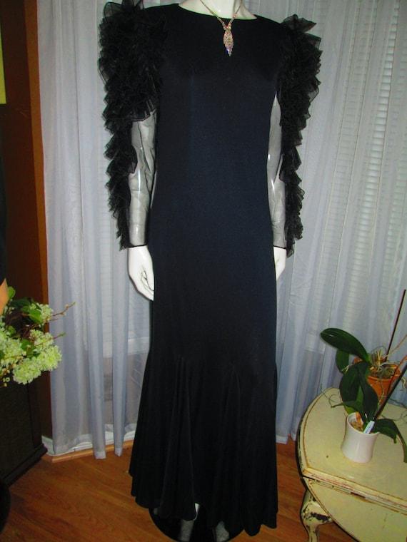 1970's Ladies Black Floor Length DRESS RUFFLED Sle