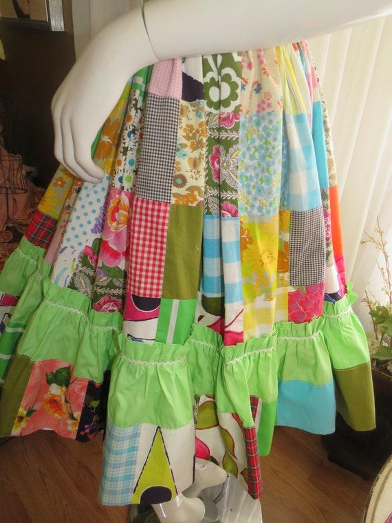 1960s' Colorful PATCHWORK Gathered DRESS----No La… - image 8