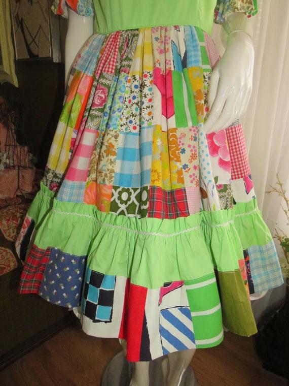 1960s' Colorful PATCHWORK Gathered DRESS----No La… - image 3