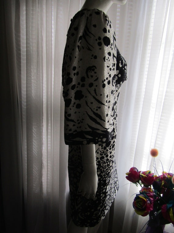 1980's Black And White Abstract Print Silk DRESS … - image 3