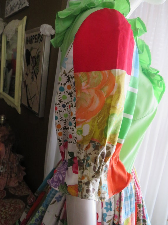 1960s' Colorful PATCHWORK Gathered DRESS----No La… - image 7