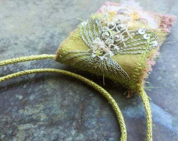 Boho amulet bag necklace | talisman pouch, crystal pouch, gypsy jewelry, handmade textile necklace, pretty boho necklace