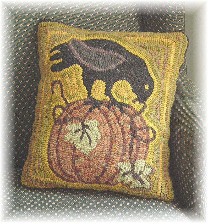 Instant Download PDF PATTERN for a Folk Art Crow on Pumpkin image 0
