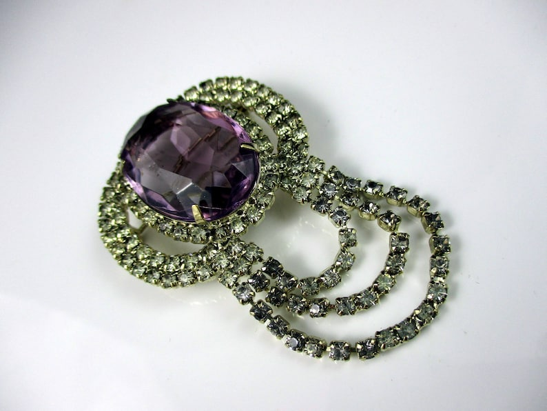 Gorgeous Multi-Faceted Light Amethyst Stone /& Clear Rhinestones Brooch Pin