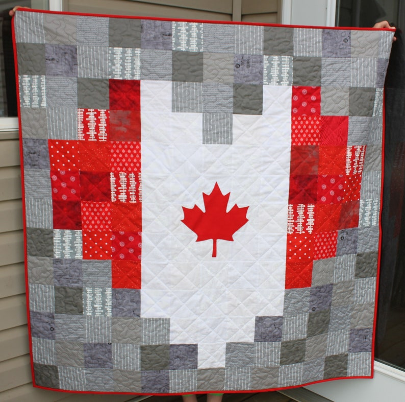 Canadian Flag Pixelated Heart Quilts PDF Quilt Pattern Canada image 0