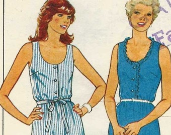 Sewing pattern Style 3682 Sleeveless dress scoop neck buttoned bodice elastic waist flared skirt Size 10-12-14-16 uncut