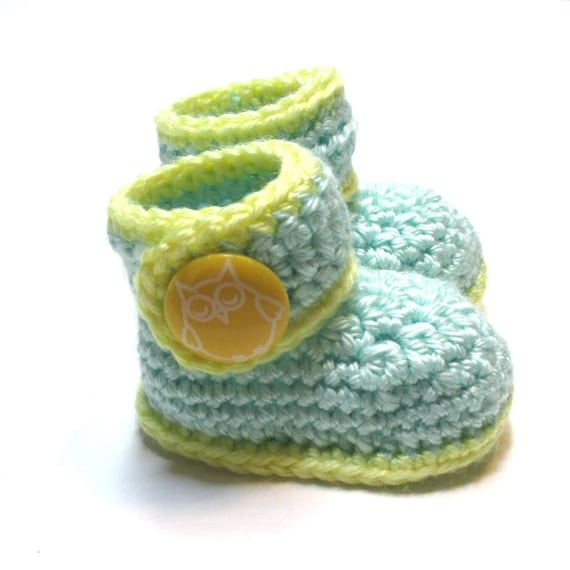 53c27029a48f3 Crochet baby booties. Newborn to 3 months ready to ship baby ankle boots.  Unisex baby shower gift, pregnancy reveal. Owl booties.