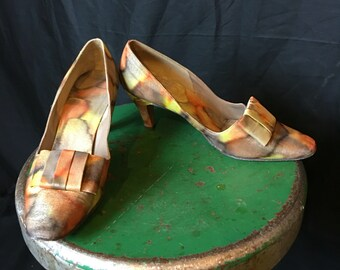 b1bb88c4c15 SALE - Vintage 50s Kitten Heels Metallic Fall Colors 7 M F132