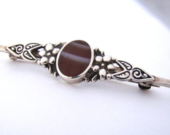 Lovely Antique Sterling Hallmarked Banded Agate Brooch
