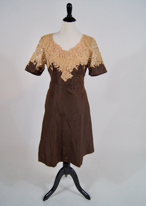 Vintage 1940s Brown Taffeta and Soutache Lace Topp