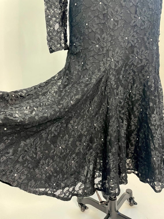Vintage 1980s Halston Black Lace Fit & Flare merm… - image 5