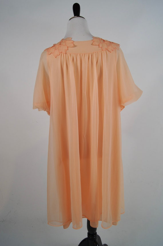 Medium 36 Bust 1950s Vintage Peach Nylon Slip with Built In Crinoline by Laros Pin Up Burlesque Rockabilly