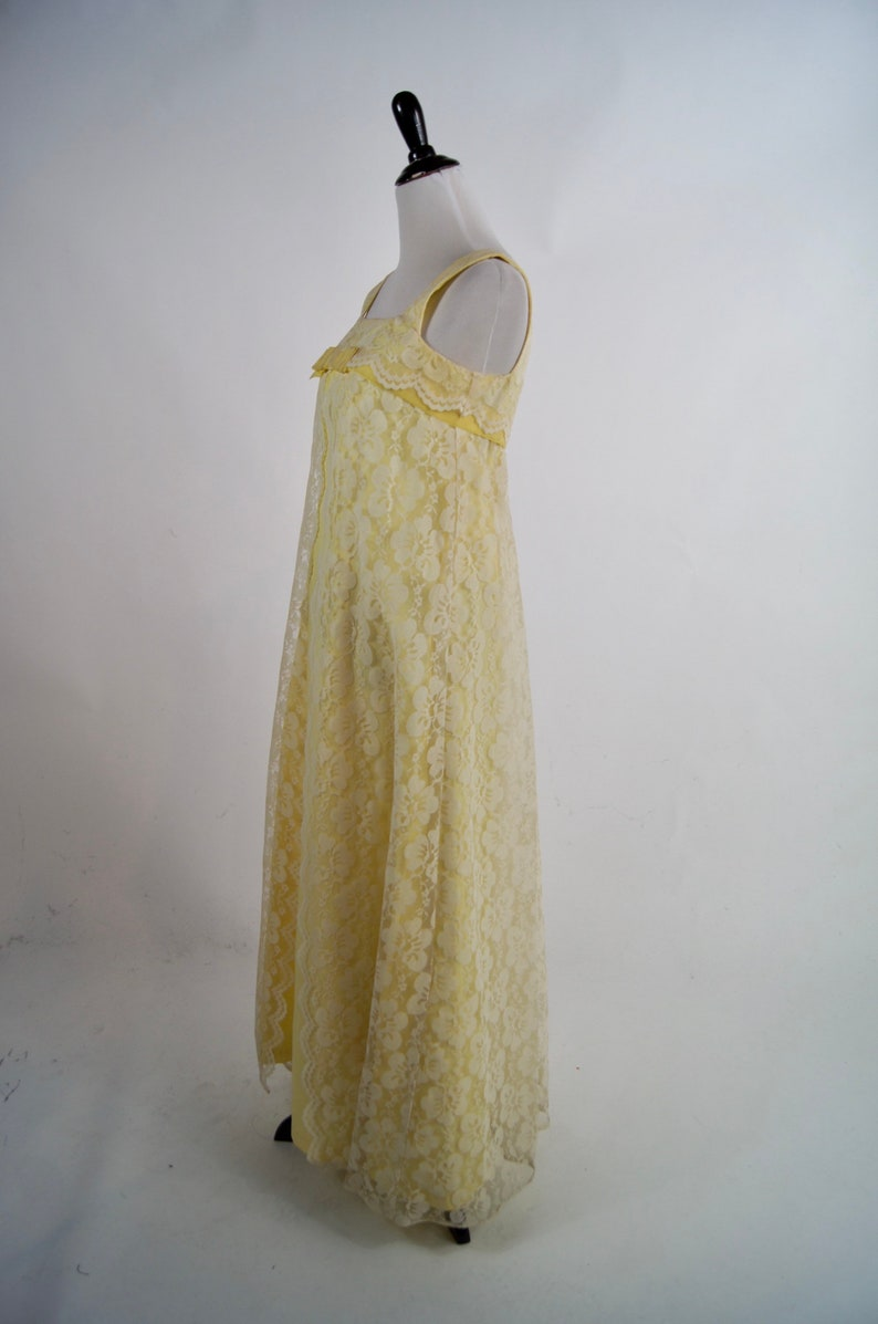 Vintage 1960s Yellow Lace A-line floor length gown with Bow Medium