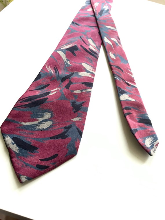 Cool vintage Lanvin Paris Tie, 100% Silk, Luxury,