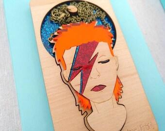 Collar de madera David Bowie