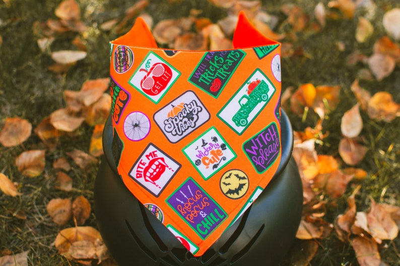 Halloween Classic Badges Halloween Dog Bandana Watershield image 0