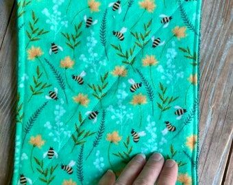 Wipes washing cloths Towels Reusable Bees flowers green yellow Set of 4